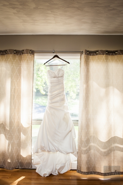 Wedding at the Old Lantern in Charlotte by Vermont wedding photographers